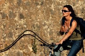 Ce trebuie sa te intereseze atunci cand cumperi o bicicleta de doamne